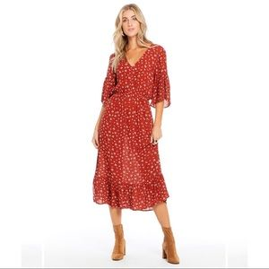 Gorgeous midi dress from Saltwaterluxe!